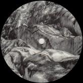 momentform-grave-ep-lux-records-cover